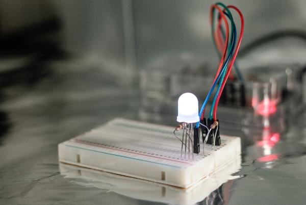 DNA flashing LED box with a Raspberry Pi