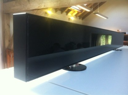Redux demonstrates glass loudspeaker 0.7mm thick