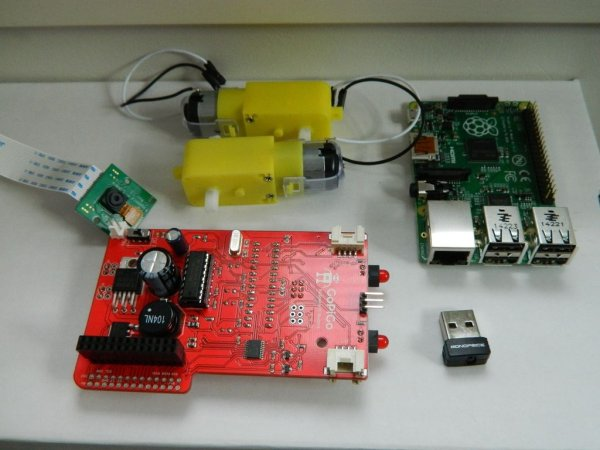 Raspberry Pi Spy Tank shematic.jpg
