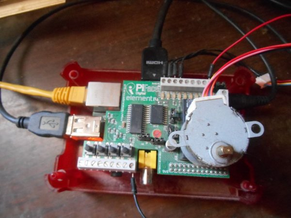Controlling a stepper motor with the Raspberry Pi and Piface