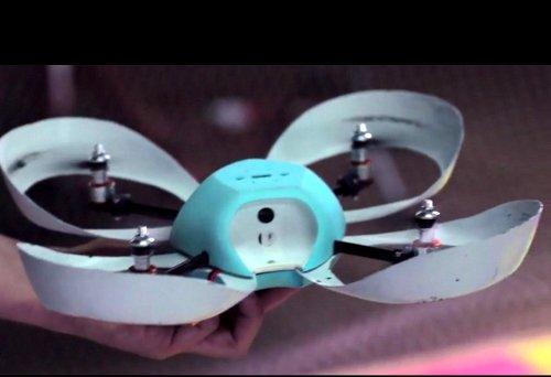 Linux-powered quadrocoptor has three cameras