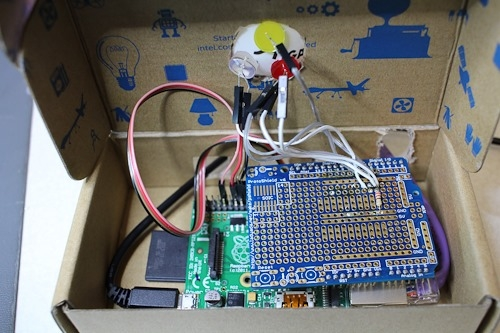 DIY Lync Status Light with a RaspberryPi, .NET, Mono and MQTT