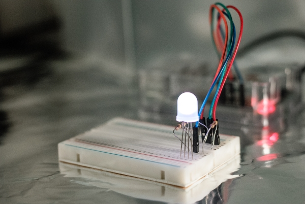 DNA flashing LED box with a Raspberry Pi