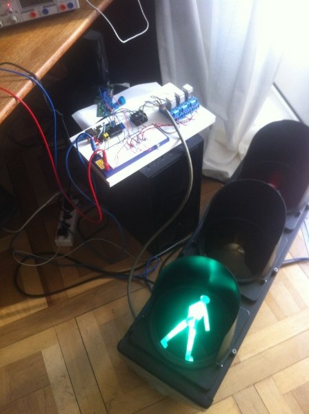 Integrating a traffic light with OP5 through a Raspberry Pi