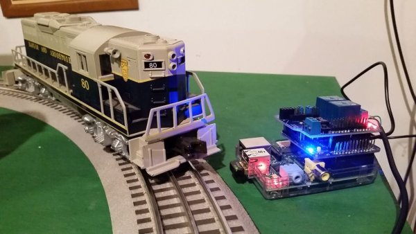 Control a Lionel Train with a Raspberry Pi
