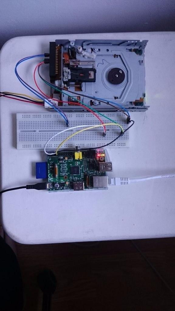 Floppy Drive music w Raspberry Pi