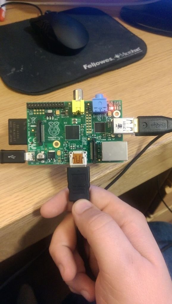 Setting up and running NOOBS on a Raspberry Pi
