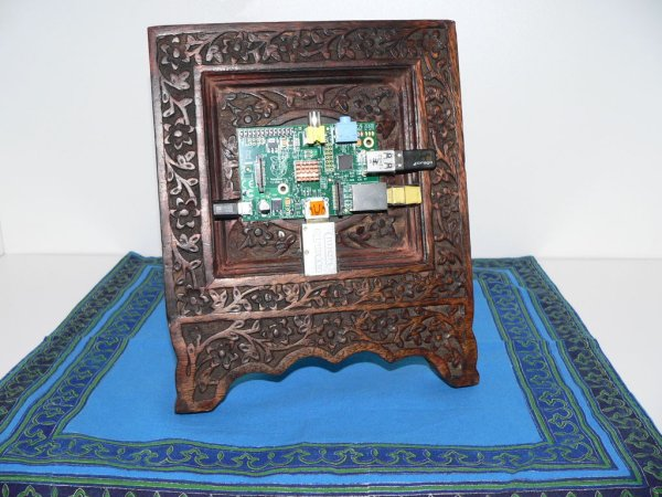 Wooden Raspberry Pi picture frame