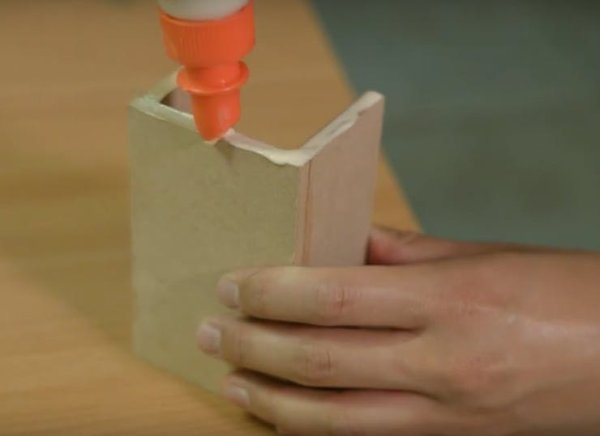 Cutting and Gluing the Housing(7)