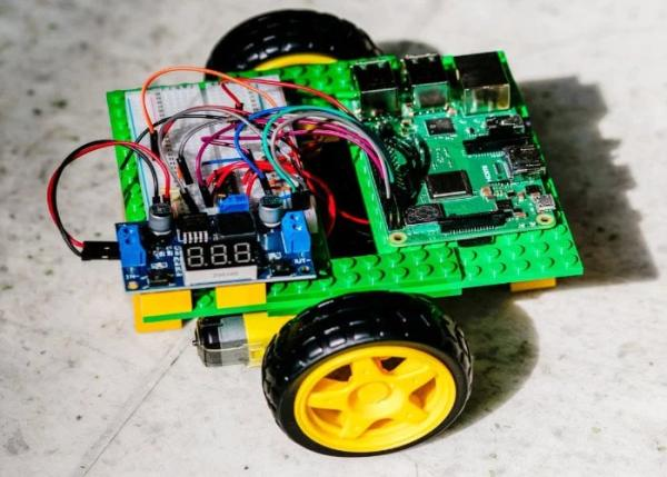 Easy DIY Gobot Raspberry Pi robot