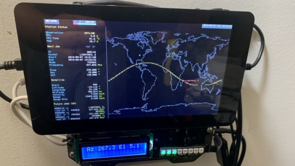 WALL-MOUNTED GROUND STATION TAMES UNRULY SATNOGS NODE