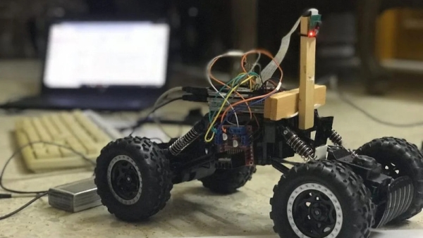 LANE KEEPING RC CAR USES OPENCV