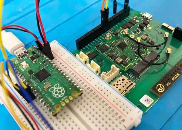 Raspberry Pi Pico IoT cellular communication project